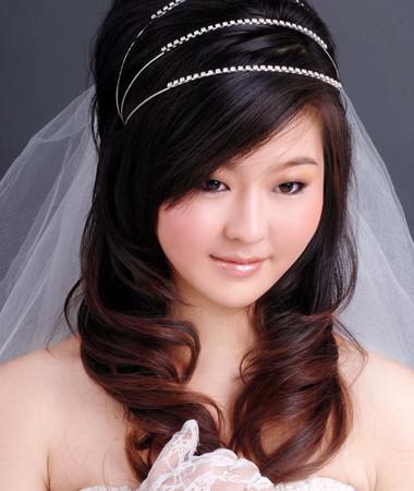 Bạn là một cô dâu thật sự xinh đẹp trong ngày cưới.