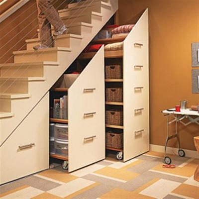 5. Biến gầm cầu thang thành tủ lưu trữ tiện lợi 2