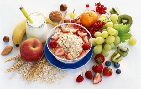 Chất xơ và ít chất béo bão hòa giúp giảm cholesterol hiệu quả.