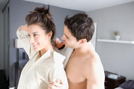 """Vợ chồng sẽ luôn hạnh phúc khi biết """"giữ lửa""""."""