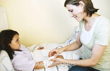 Tập trung quá nhiều vào việc chăm sóc con sẽ không tốt cho mẹ 1