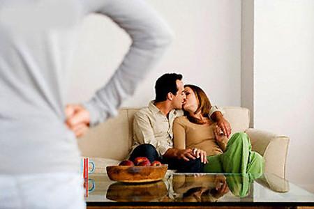 Đau đơn khi chồng ngoại tình ngay trong nhà với ôsin 1