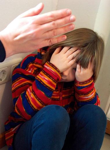 Phạt con sao cho con không bị tổn thương đến tinh thần là điều không mấy cha mẹ để ý đến trong lúc nóng giận