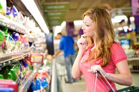 Hãy tận dụng các chương trình giảm giá để tích trữ thực phẩm.