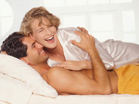 """Đời sống tình dục là """"món ăn"""" không thể thiếu trong đời sống vợ chồng."""