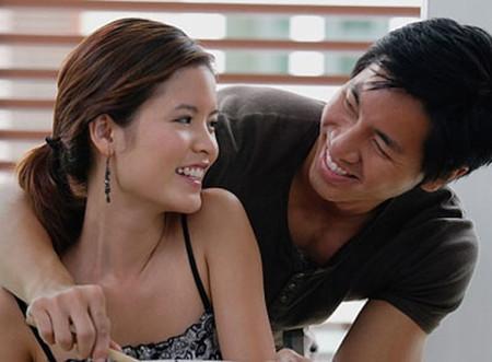 Cuộc sống vợ chồng sẽ hạnh phúc hơn khi có sự tin tưởng và chia sẻ với nhau.
