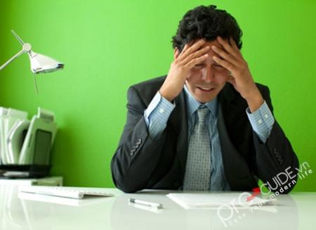 Đau đầu là một trong những chứng bệnh thần kinh thường gặp ở người cao tuổi