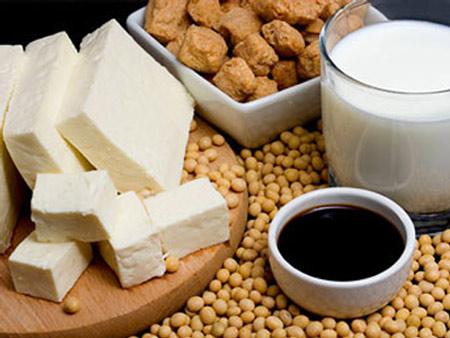 Canxi có nhiều trong sữa và các loại thực phẩm có nguồn gốc từ sữa khác.