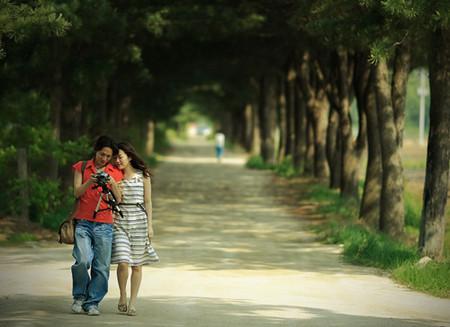 Chàng cùng bạn đi đến những nơi bạn thích và lưu giữ mọi hình ảnh đẹp về bạn.