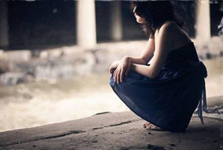 Anh đi để lại em một mình với nỗi muộn phiền, hoài nghi và ân hận...