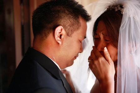 Chỉ có tôi mới hiểu tại sao cô dâu của tôi lại khóc...