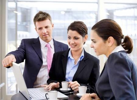Các doanh nhân và nhân viên văn phòng thường bận rộn với công việc, nên họ ít quan tâm đến chế độ dinh dưỡng.