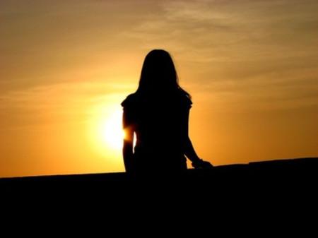Cuộc đời em như đang ở buổi chiều tà, trái tim em tan vỡ vì bị anh lừa dối