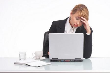 Làm việc quá lâu và liên tục trên máy vi tính khiến mắt mệt mỏi và công việc cũng không hiệu quả
