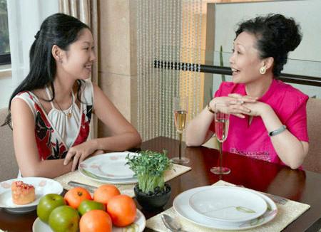 Chị xin phép mẹ chồng cho vợ chồng chị ra ở riêng vì không chịu nổi cảnh sống chung.
