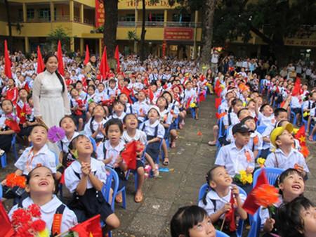 """Ngày tựu trường là một ngày rất """"trọng đại"""" với trẻ"""