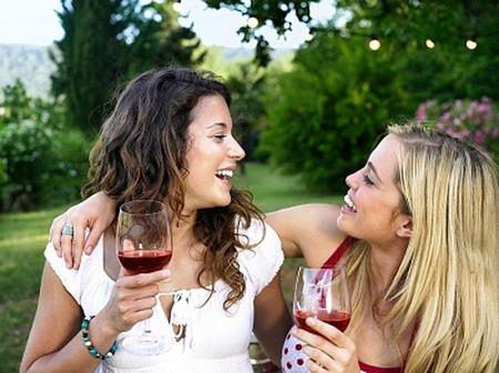 Rượu vang đỏ chống ung thư và bệnh tim.