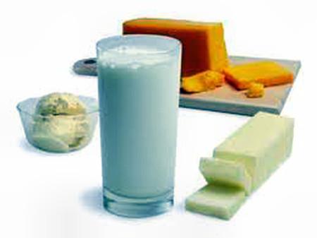 Nếu bị viêm xoang thì không nên uống sữa hoặc ăn những thực phẩm làm từ sữa.