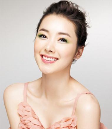 Bí quyết giúp bạn chọn son môi phù hợp - Làm Đẹp - Bí quyết làm đẹp - Trang điểm | Cách trang điểm