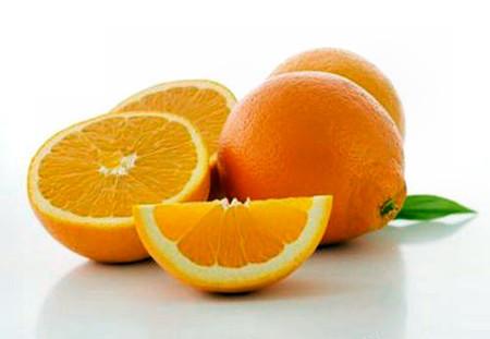 Cam giàu vitamin C giúp giảm nguy cơ đục thủy tinh thể.