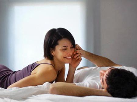 """Anh rất muốn """"yêu"""" vợ nhưng lại sợ trên bảo dưới không nghe."""