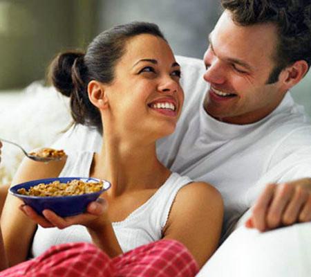 Hâm nóng tình yêu là vấn đề không đơn giản với mỗi cặp vợ chồng.