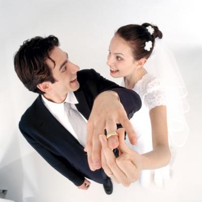 Nam giới thường đeo nhẫn cưới có thể bị bất lực.