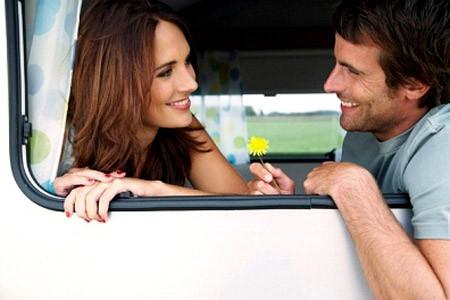 Chàng với bạn trở nên gắn bó thân thiết hay không điều đó phụ thuộc rất nhiều vào những câu nói hàng ngày.