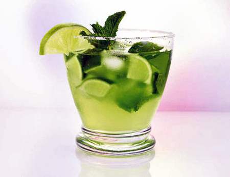 Nước chanh có tác dụng như một chất làm sạch ruột.