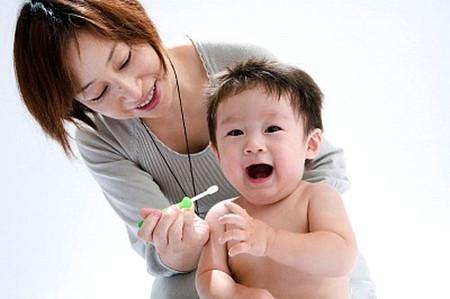 Chải răng không đúng cách cũng làm gia tăng tình trạng sâu răng ở trẻ