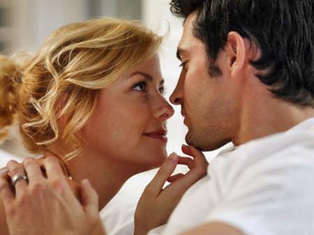 """Hiểu những điểm """"nhạy cảm"""" của chàng để có những giây phút ngọt ngào yêu thương."""
