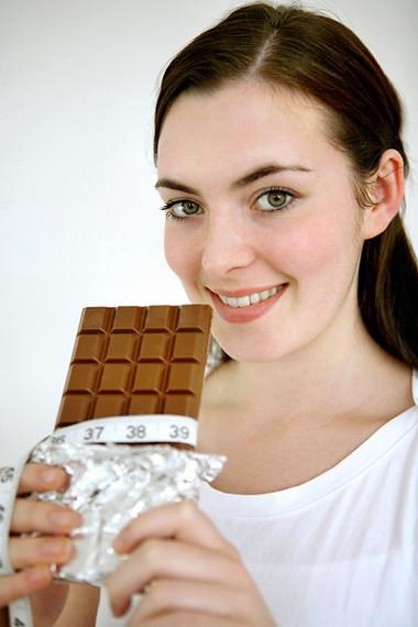 Ăn sô-cô-la giúp giảm chứng ho dai dẳng.