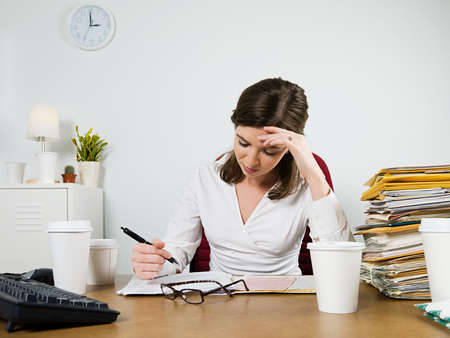 Căng thẳng hoặc lo âu phá vỡ sự tập trung của bạn và có thể dẫn đến chứng hay quên.