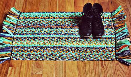 Khéo tay làm thảm chùi chân mới cho nhà bạn bằng vải 1