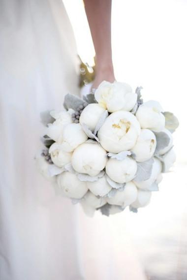 Một số mẫu hoa cưới từ hoa mẫu đơn 17