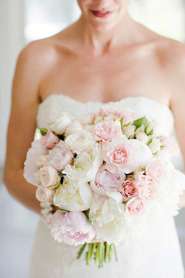 Một số mẫu hoa cưới từ hoa mẫu đơn 4