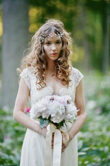 Một số mẫu hoa cưới từ hoa mẫu đơn 6