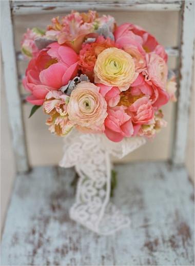 Một số mẫu hoa cưới từ hoa mẫu đơn 9