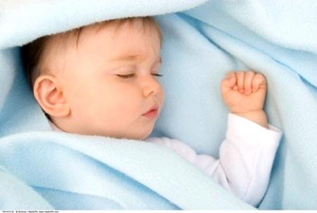Trẻ sinh non hoặc quá nhẹ cân có nguy cơ nhiễm hội chứng SIDS.