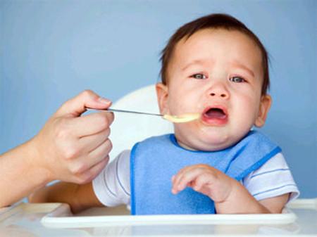 Trẻ biếng ăn dễ mắc các bệnh lý mãn tính 1