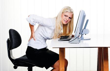 Hiện nay đau lưng là căn bệnh thường gặp ở mọi đối tượng.