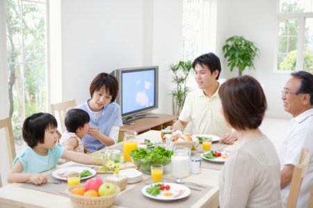 Lan may mắn vì có ba mẹ chồng ở nhà nên hiểu con dâu sống là người như thế nào.