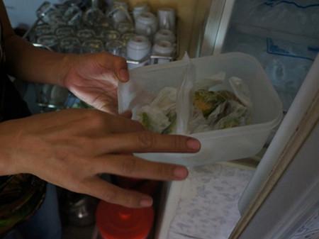 Hoa quả thối vào tủ đá, thành nguyên liệu chế biến sinh tố.