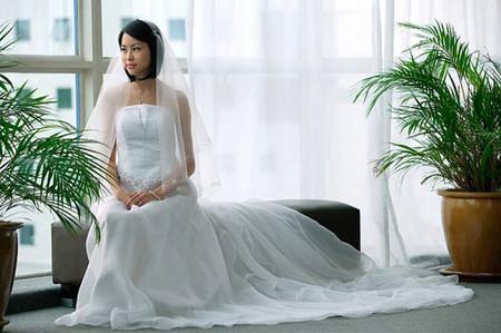 Vẫn lo mọi việc chuẩn bị cho đám cưới nhưng chị luôn né tránh việc đăng ký kết hôn.