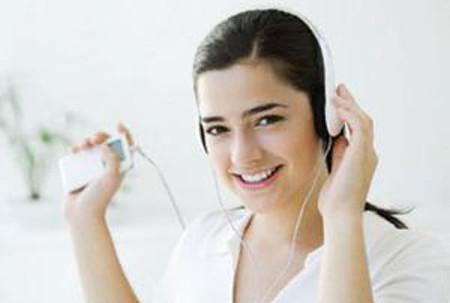 Nghe nhạc giúp âm hồn thư thái, cơ thể căng tràn sức sống.