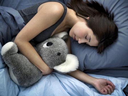 Ngủ trưa giúp thư giãn, giảm stress.
