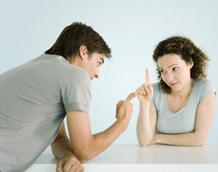 Hãy cố gắng kéo chồng về với thực tại 1