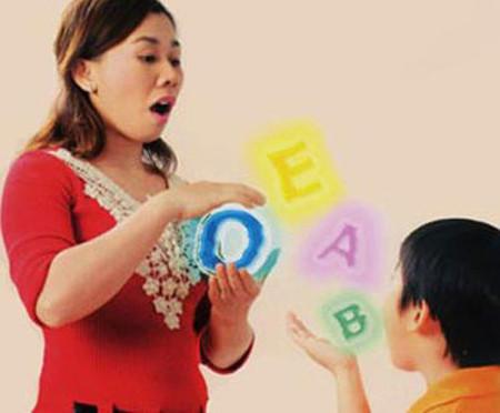 Nên trị tật nói lắp trước tuổi đi học.