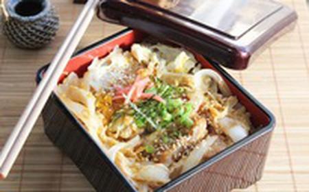 Katsudon - cơm thịt heo chiên xù, món ăn rất phổ biến tại nước Nhật