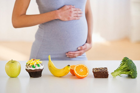 Mẹ bầu hãy bổ sung lượng vitamin C cần thiết cho cơ thể.